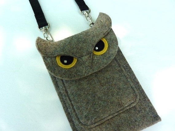 Deluxe owl case for iPhone SE, 5, 5S, 5C, 6, 6S, 6 Plus and 6S Plus - Cell phone purse - Felt owl sleeve - Shoulder bag