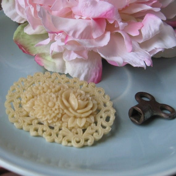 celluloid japanese flower floral filigree c clasp brooch
