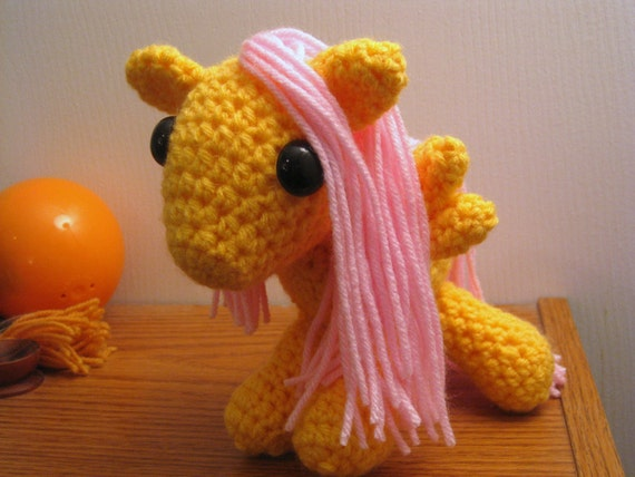 Amigurumi Magic Doll : Fluttershy My Little Pony Friendship is Magic Amigurumi