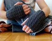 the filigree driving gloves in CHARCOAL (vegan friendly)