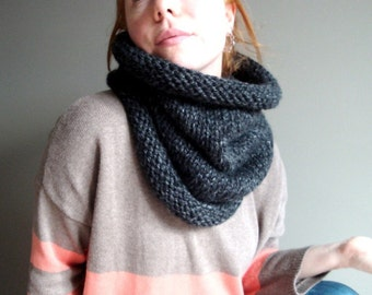 the bailey unisex knit cowl in CHARCOAL GREY