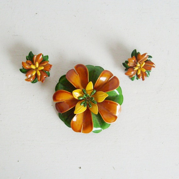 Vintage Fall Halloween enamel flower pin or brooch and earrings set brown, green and yellow