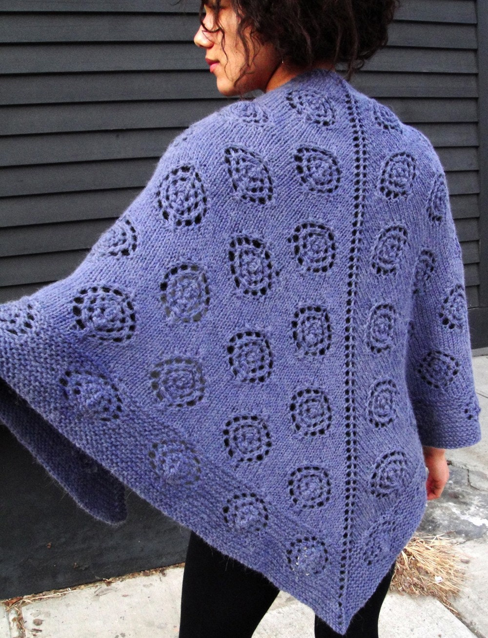 Knitting Pattern Wrap Shawl : Dotty Triangle Shawl KNITTING PATTERN DOWNLOAD