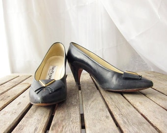 Vintage Navy Leather Pumps - 1960s Pinup Pin Up Heels - Size 5.5 - Evan Picone - Spanish Leather Shoes - Spain Vintage Womens Shoes