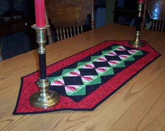 CHRISTMAS FLOWERS,  16X44 quilted table runner