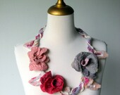 Felted   Necklace Grey Mauve Strawberry