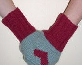 Handmade cashmere mitten for two is a great gift for Christmas