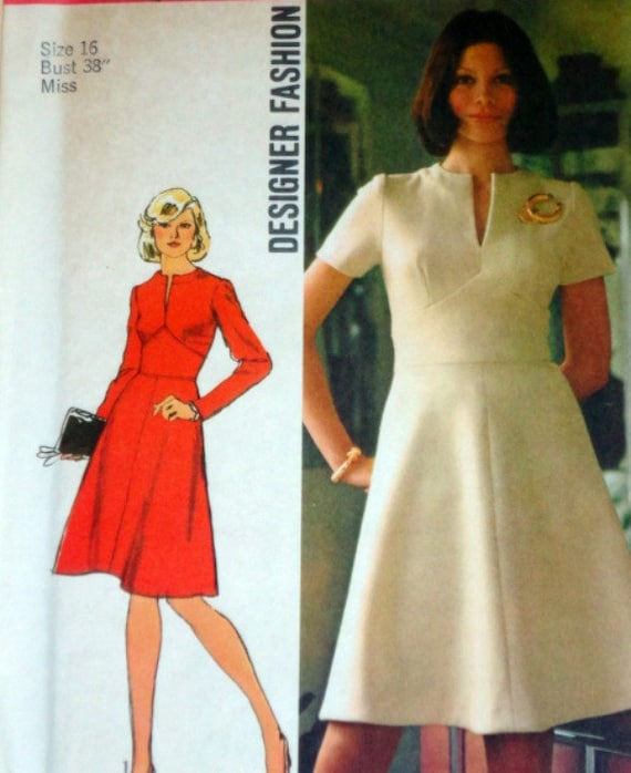 Vintage 1970's Simplicity 5789 Sewing Pattern, Designer Fashion Dress, Size 16, Factory Folded