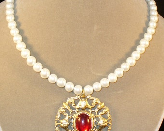 Bernadotte--Red and gold Renaissance necklace set