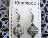 Pottery Look Off-white / black or terracotta red beaded earrings