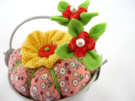 MADE for YOU - Pincushion Pail with Blossom Pins in Sunnyside Pink