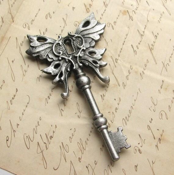 Steampunk key pendant, Steampunk Winged skeleton key pendant Art Nouveau winged key PEWTER