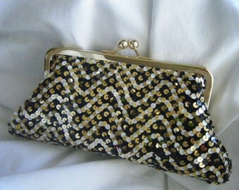 Eveningbag - Sequins Clutch - Black / Gold / White - Herringbone, Chevron, Zig Zag - PROM clutch - LBD clutch - party clutch - Ready To Ship