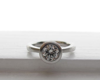 Platinum tapered solitaire