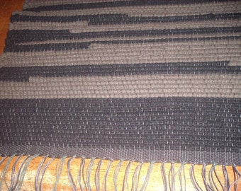 Handwoven Wool Rag Rug, (Finlander at Nite/27)-044j