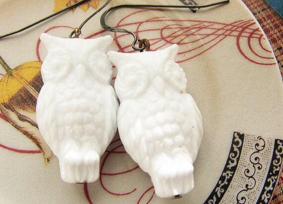 White Owl drop Earrings, snow white owl dangle earrings, oxidized sterling silver drop earrings