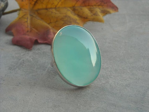 Sea foam green ring - Oval ring - Cabochon ring - Bezel ring - Chalcedony ring - Natural gemstone - Gift for her