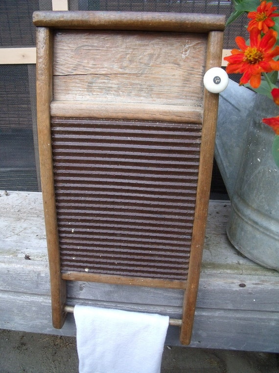 "WASHBOARD CABINET-using""BaBy GranD"" Washboard Recycled To WaLL CaBiNeT-LinGeRiE sz.-w/ oLD wHiTe PorceLain knoB-Great Medicine/Spice cabinet"