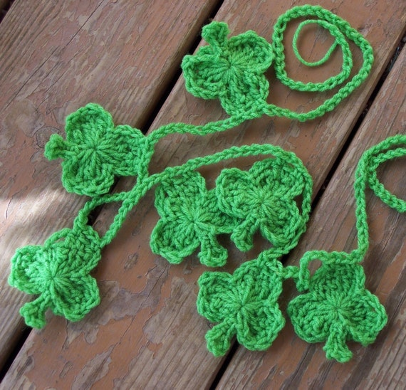 St Patricks Day Shamrock Crochet Garland- Saint Patricks Day Lucky Shamrocks- Emerald Green Banner Garland- 3 Leaf Clover Spring Home Decor
