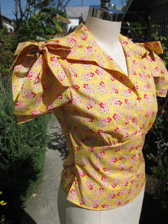 1930s blouse delicate yellow floral print tie sleeve Ready to ship size M only