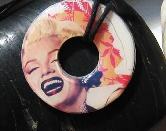 Marilyn Monroe Movie Star Pendant Washer Necklace Design 1
