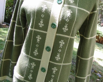Lovely Vintage Green Cardigan Sweater With A Pretty And Unique Design