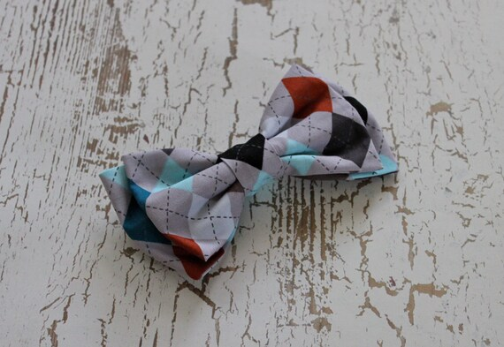 The Henry . Teen Men's Clip On Bow Tie . Grey Argyle