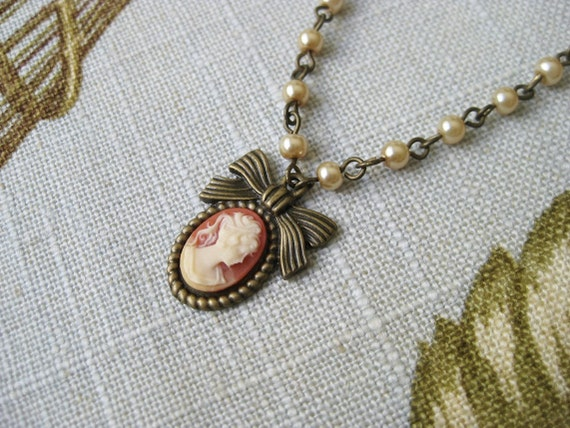 Bow Cameo Necklace Glass Pearl