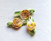 Ribbon Rose Appliques 295.2 - Variegated Yellow Rose with leaf - 23 pcs