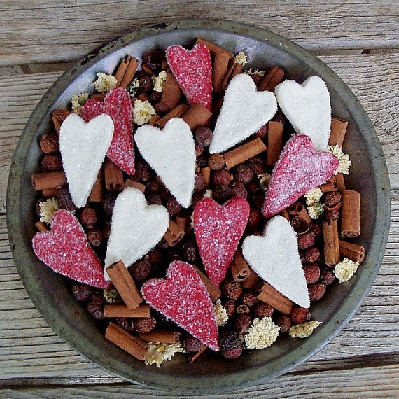 Sparkling Glass Glitter Heart Bowl FillersPotpourri Add