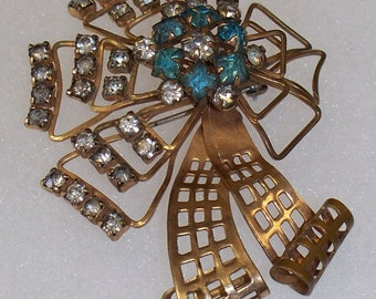 Windmill. Vintage blue rhinestone brooch. Windmill design, (12 KFG) FREE SHIPPING.