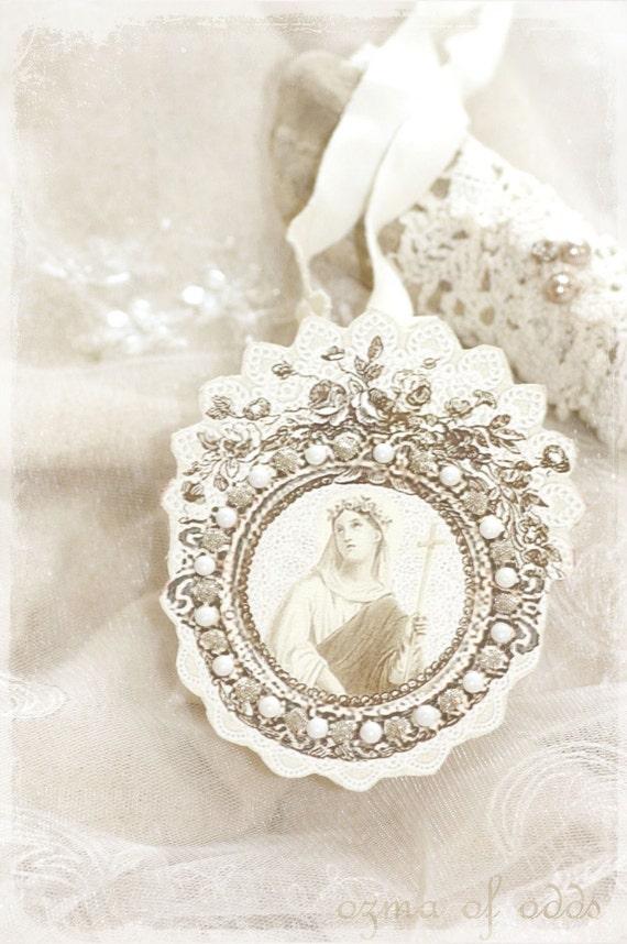I am forgiven - a paper reliquary locket