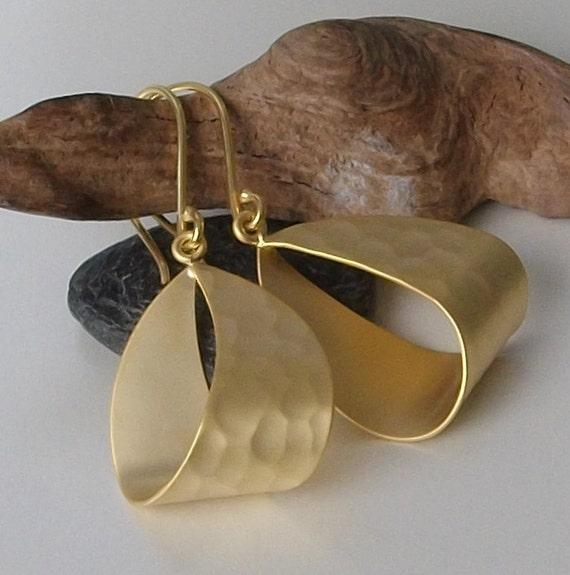 LAST ONE Gold Hoop Earrings