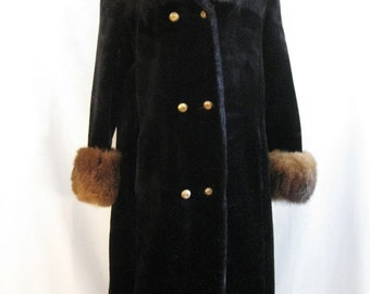 Soft Seal Faux Fur Plush Coat with Real Fur Collar Size Large Vintage 60s