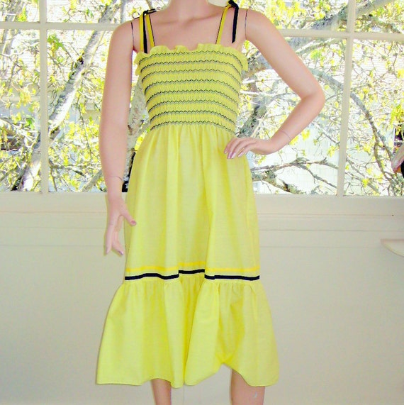 Sunny Yellow Vintage Sundress with Accordion Bodice and Ribbon Straps NWOT