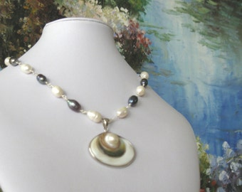 SALE, Pearl Necklace, Large Mabe Pearl Pendant, Black and White Pearl Statement Necklace, Fashion Pearl Jewelry,Pearl Chain Necklace  N8918