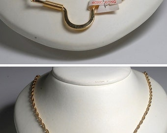 Vintage Hong Kong 1960's Gold Tone Metal Necklace Jewelry
