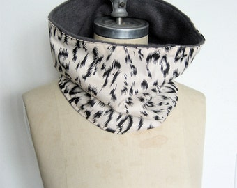 Cowl Scarf, Neck warmer, Cream and Black Leopard print, Ski Scarf, Animal Print