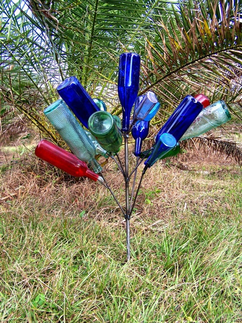southern garden bottle tree 16 wine bottle yard art