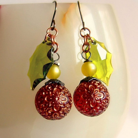 Christmas Berry Earrings Victorian Holly Leaf Earrings Cranberry Olive Green Earrings Gold Red Dangle Earring