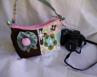 SALE Camera Case Medium size with extra pockets for batteries and SD Cards, pdf pattern,Cute and stylish with instant download