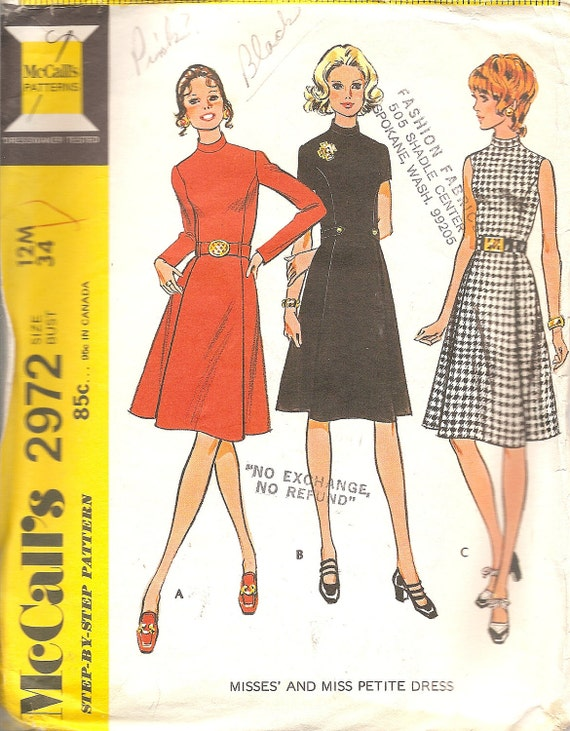 Vintage Sewing Pattern Dress 1970s McCalls 2972 FREE SHIPPING with purchase of 3