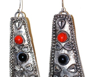 Vintage Red Black Pewter Ethnic Dangle Earrings 2.5""