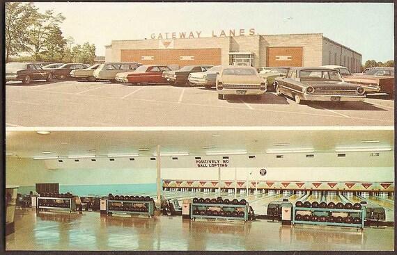 Benton, Kentucky Vintage 1960 Postcard - Gateway Lanes Bowling Alley Unused
