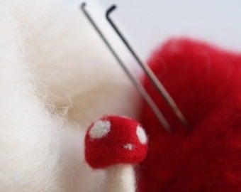 Toadstool Needle Felting Kit - Needle Felted Toadstool Kit - Beginner Starter Kit - DIY Mushroom Kit, DIY Craft Kit, DIY Home Decor