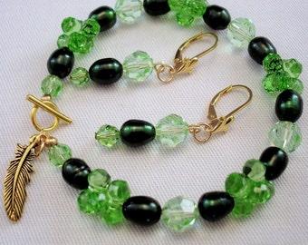 Jewelry Set - Crystal Bracelet - Crystal Earrings - Green Jewelry - Pearl Bracelet - Pearl Earrings - Beaded Bracelet - Beaded Earrings