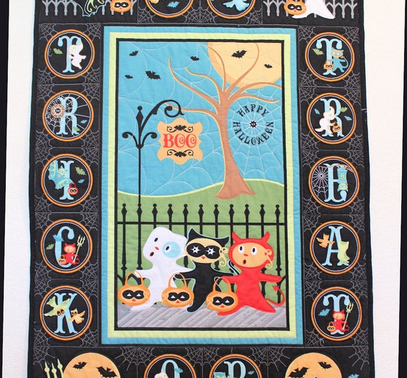 Halloween Wall Hanging Quilt Panel - Trick or Treat Street