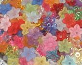 100 Mixed Acrylic Baby Flower Beads - Rainbow Sparkle - 9mm