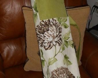 Chrysanthemum Yoga Mat Bag with Zippered Pocket, Yoga Mat Storage Bag, Shoulder Strap, Crossbody