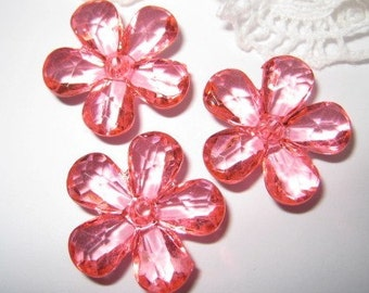 8 pcs Faceted acrylic flower beads / charms (FL060-B)